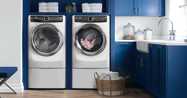 7 Best Front Load Washer Models - Electrolux EFLS527UIW Lifestyle Image