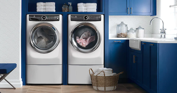 Electrolux Front Load Washer Reviews - Electrolux EFLS527UIW Lifestyle Image