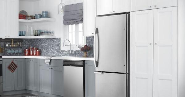 Amana Bottom Freezer Refrigerator - ABB1921BRM Lifestyle Image