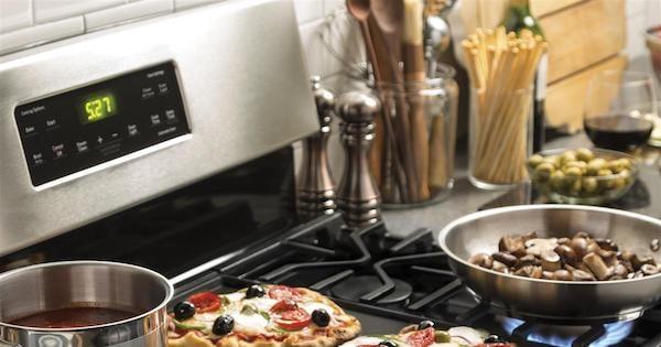 Freestanding Gas Range Reviews - Frigidaire vs GE
