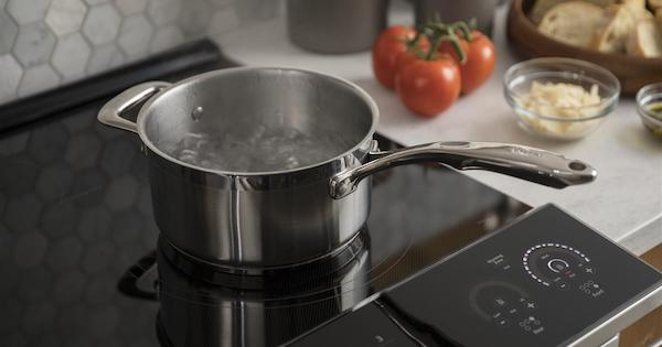 What is Induction Cooking - GE PHS930SLSS Lifestyle Image