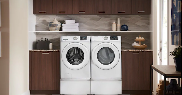 Inexpensive Front Load Washer Samsung vs Maytag - Samsung WF42H5000AW Front Load Washer Lifestyle Image