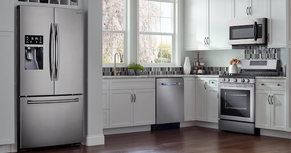 Largest French Door Refrigerator of the Year - Samsung RF28HFEDBSR Lifestyle Image