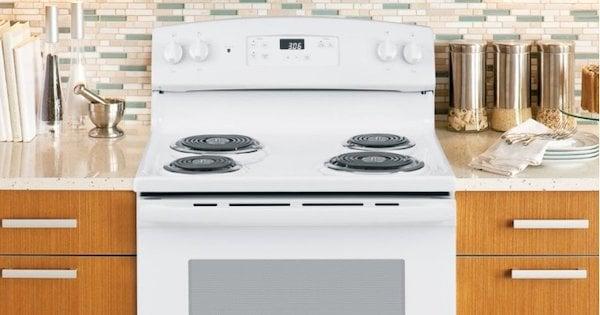 Coil Top Electric Range Reviews - Frigidaire vs GE - GE Appliances JBS360DMWW Lifestyle Image