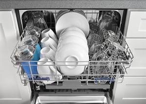 Dishwasher Buying Guide_Whirlpool_Dishwaser_WDF520PADB_Rack_Design