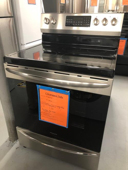 Frigidaire Gallery FGEF3059TF Electric Range Clearance