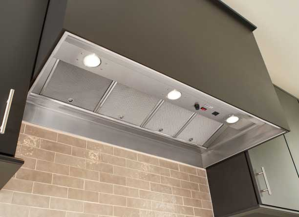 Kitchen ventilation buying guide - hood inserts and power packs - Broan RMIP45 pro-style insert
