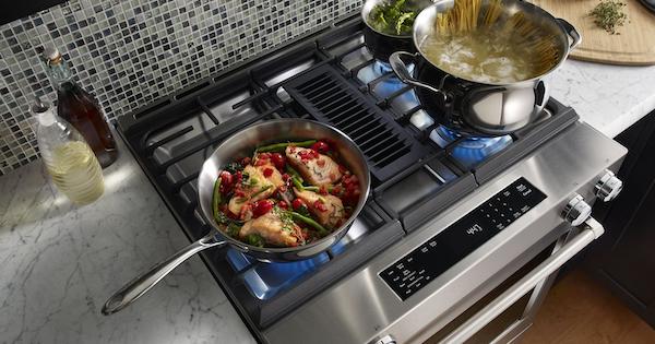 KitchenAid KSDG950ESS Downdraft Range Lifestyle Image