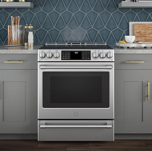 Range Buying Guide_GE Cafe CHS985SELSS Electric Range