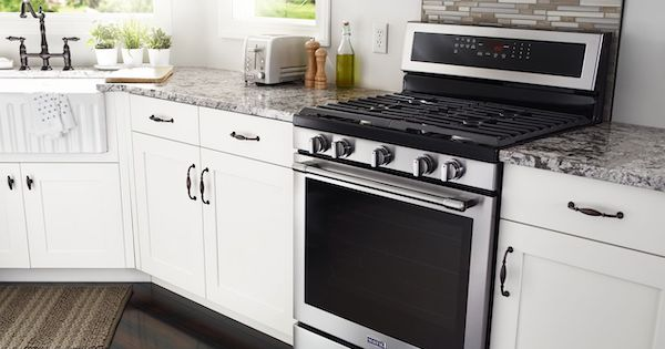 Above the Fold Image Best Gas Range - Maytag Lifestyle Image